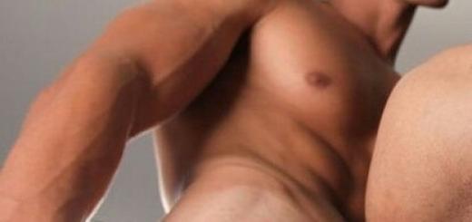 hot-guy-cums-on-his-body.jpg
